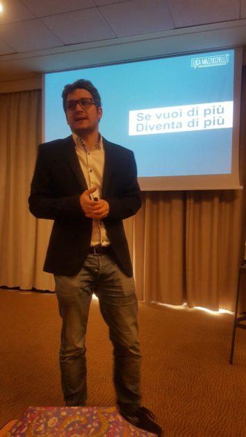 Il Dott. Luca Mazzucchelli durante una sua lezione alla Content Marketing Academy di Alessio Beltrami (Milano, 2019)